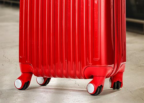 キャスターで選ぶブランドスーツケース