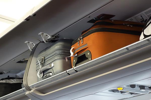 機内持ち込みに最適なフロントオープンのスーツケース