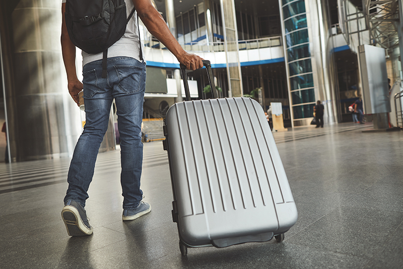 スタイリッシュで堅牢なアルミ製スーツケース|デキる男が選ぶおすすめの人気ブランド紹介
