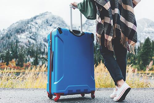 4輪の場合スーツケースを傾けて移動しない